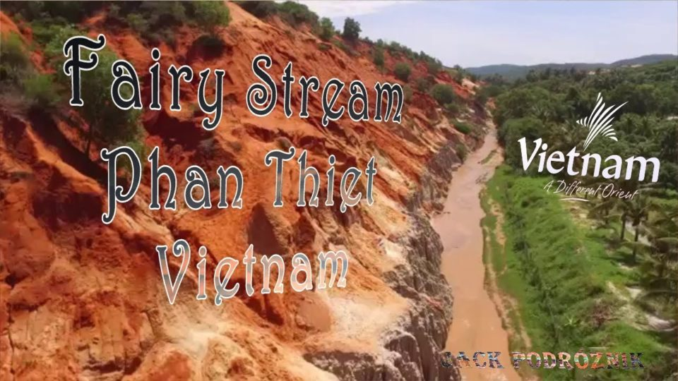 Spacer wzdłuż Fairy Stream w Phan Thiet