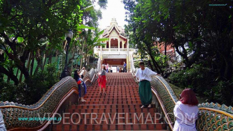 Wat-Phra-That-Doi-Suthep-50